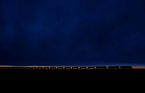 12. Поезд с углем на закате