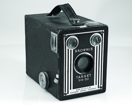 Kodak_Brownie_Target_SIX-20_box_camera