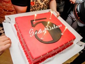 SelectDeluxe исполнилось 5 лет!