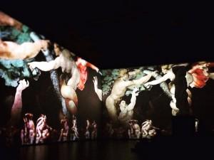 Мультимедийные выставки: пропасть между кино и живописью