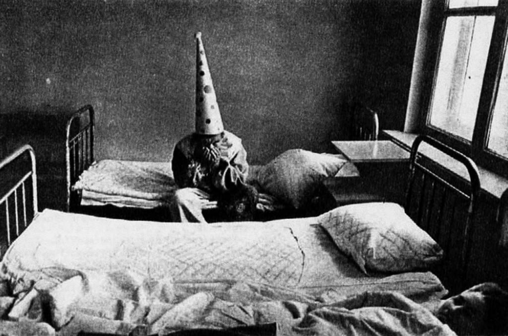 """Павел Кривцов """"Психиатрическая больница. Первый приз"""" или """"Новый год в психиатрической больнице им. Кащенко"""" или  """"Грустный праздник"""""""