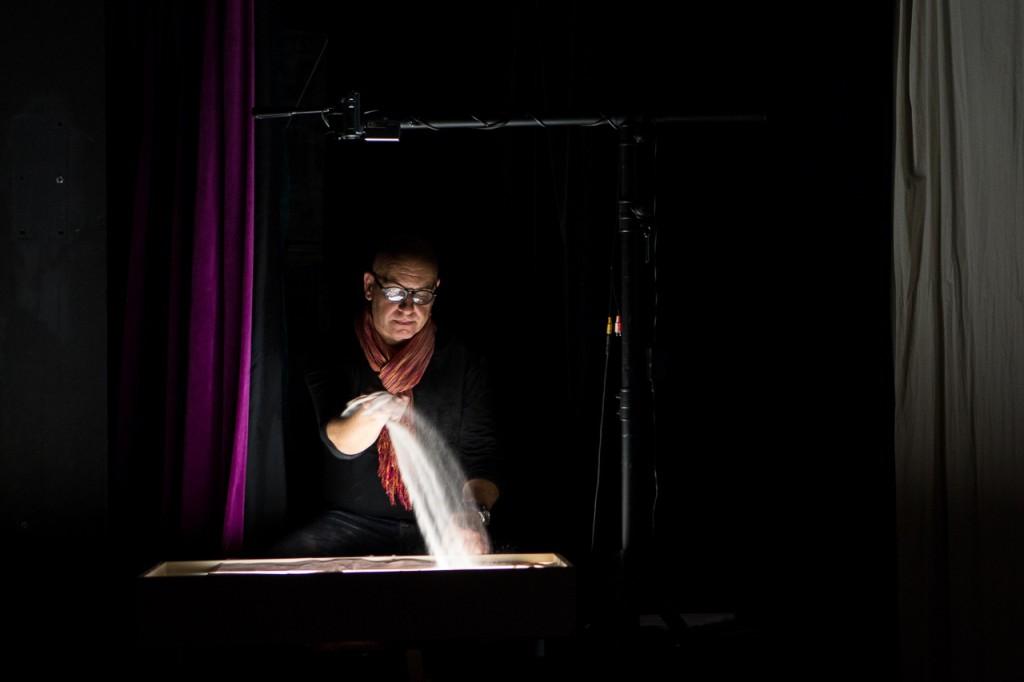 """российская федерация.Санкт Петербург. Театр мимигранты, мультимедийная мистерия """"Слово"""""""