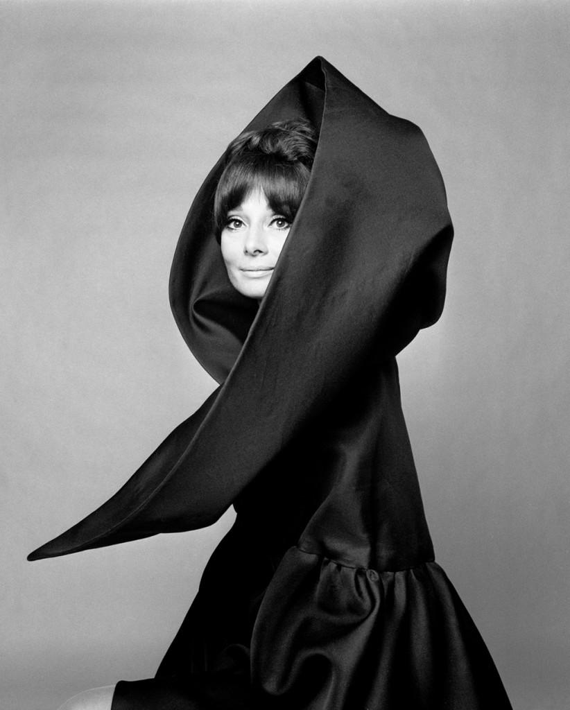 Джан Паоло Барбьери. Одри Хепберн для Valentino, Итальянский Vogue, Рим, 1969. ©GIANPAOLOBARBIERI. Courtesy Gian Paolo Barbieri