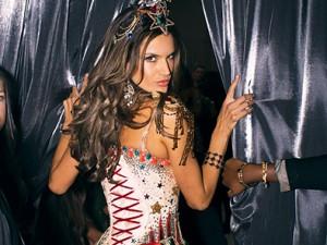 Рассел Джеймс. Десять лет за кулисами Victoria's Secret Fashion Show